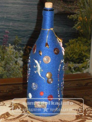 бутылка декорированная пуговицами