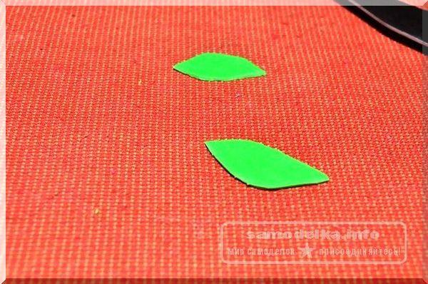 полимерная глина зеленого цвета