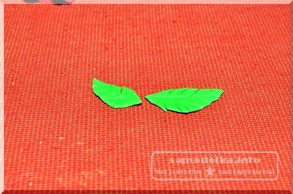 лепестки из зеленой полимерной глины