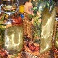 Декоративная бутылка в технике объемный декупаж
