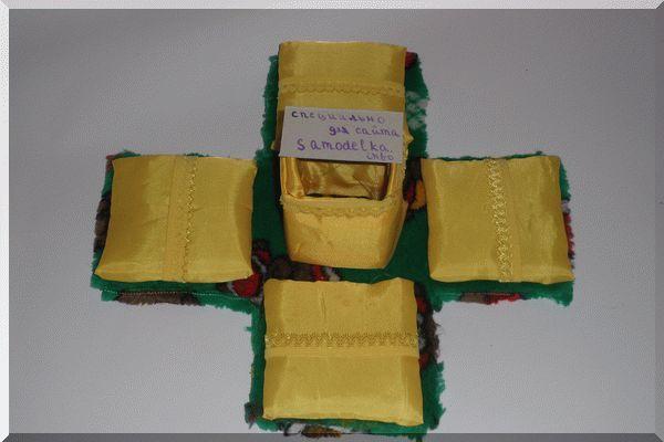 Маленькая коробочка для шкатулки для рукоделия