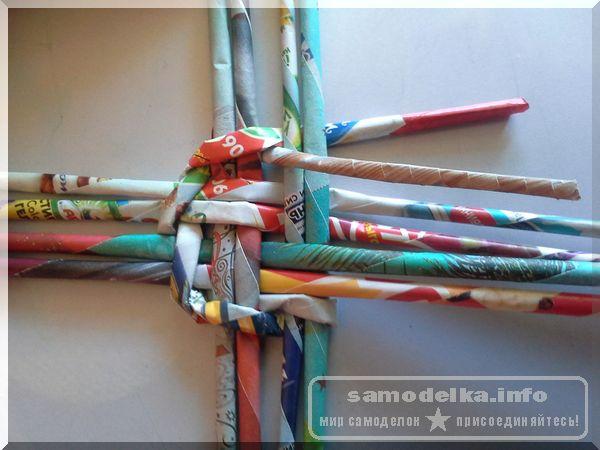 при плетении дна корзинки своими руками закончилась длина газетных трубочек