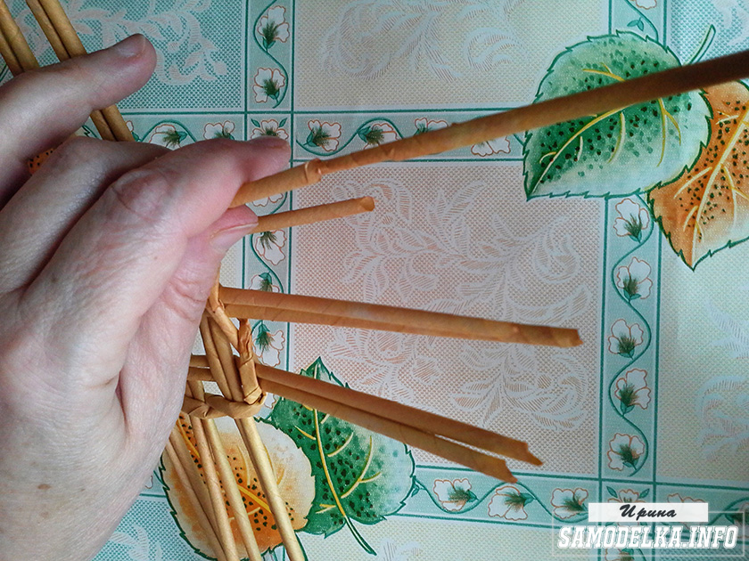 фото плетения газетными трубочками