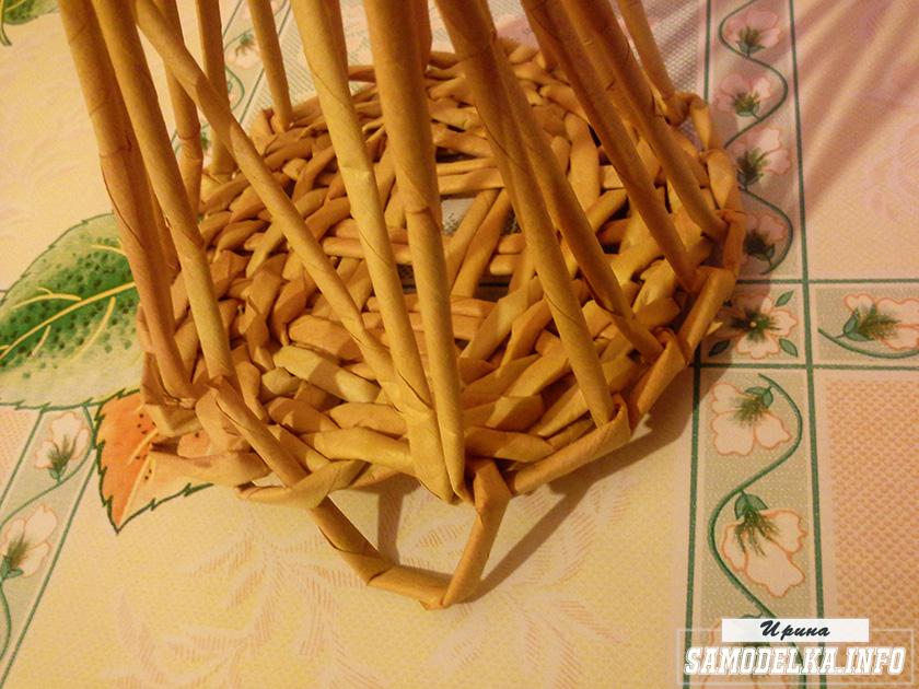 фото плетения канта днища корзинки из газетных трубочек