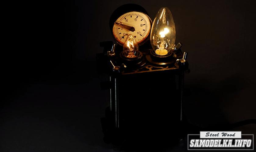 Настольная лампа из старых карбюраторов своими руками
