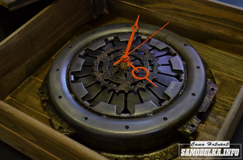 часы из диска сцепления автомобиля