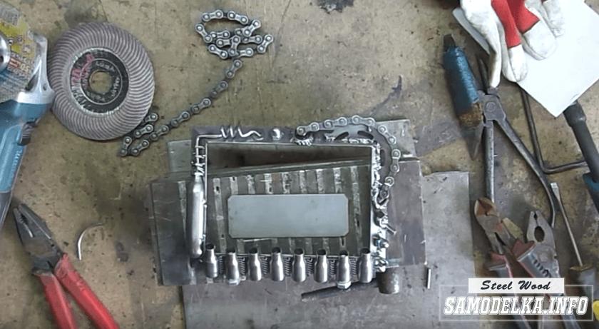 зачищенная металлическая рамка для фотографий