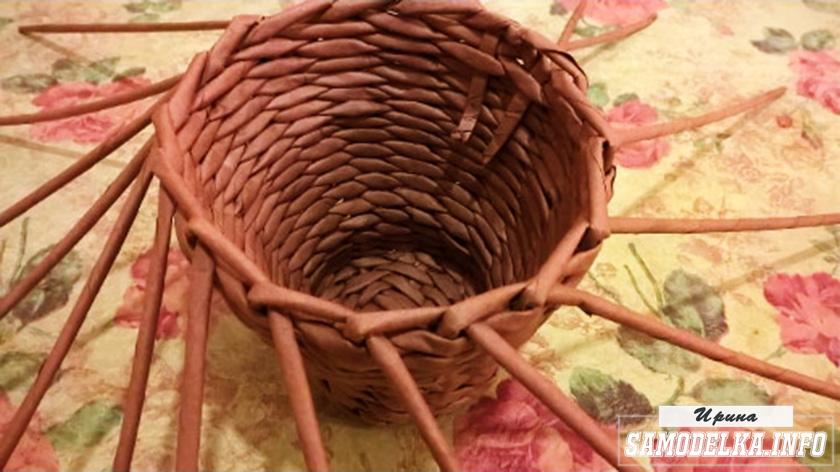 процесс плетения из газетных трубочек своими руками