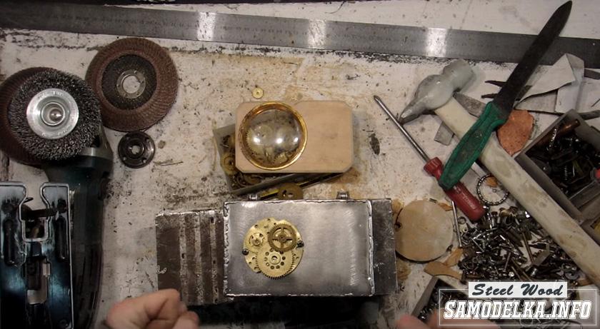 шестеренки на крышке шкатулки
